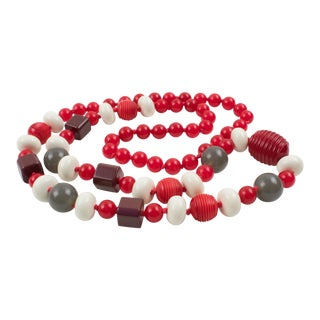 Bakelite & Lucite Necklace Extra Long Shape Gray White Red Carved Beads For Sale