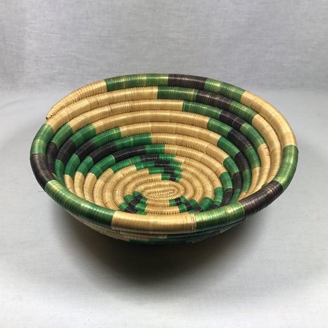 Handmade African Grass Basket - Image 11 of 11
