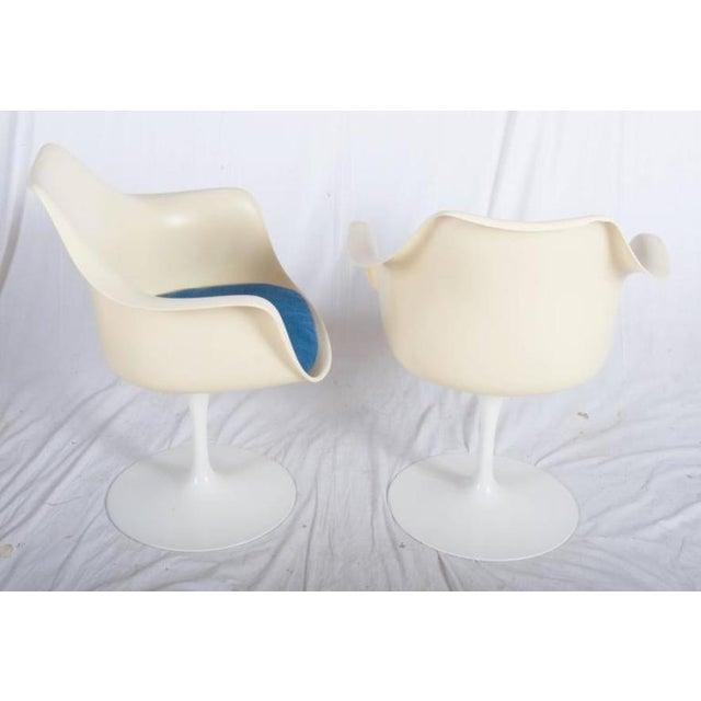 Eero Saarinen Model 151 Tulip Armchairs by Eero Saarinen for Knoll International - A Pair For Sale - Image 4 of 10
