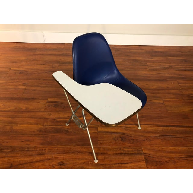 Blue Ray and Charles Eames Dss Fiberglass Chair With Writing Surface Made by Herman Miller For Sale - Image 8 of 13