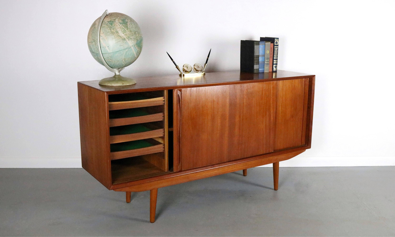 Danish Modern Vintage Danish Modern Credenza In Teak For Sale   Image 3 Of 6