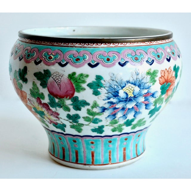 Mid 19th Century 19th Century Chinese Famille Rose Cachepot For Sale - Image 5 of 10