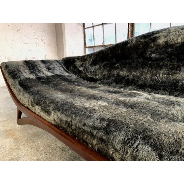 1960s Mid Century Modern Designer Pearsall Style Gondola Sofa Fuzzy Black Velvet For Sale - Image 5 of 10