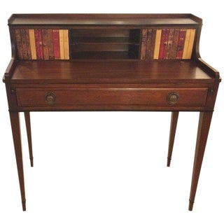 1920s Traditional Mahogany and Tooled Leather Writing Desk For Sale