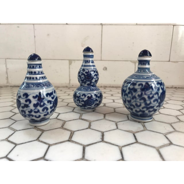 Chinese Traditional Blue & White Floral Porcelain Perfume Bottles - Set of 3 For Sale - Image 9 of 10
