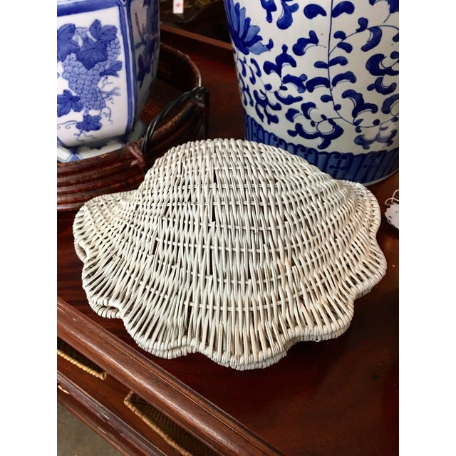 Vintage Coastal style, shell shaped wicker, withe finish in the outside and pale rose in the inside decorative/ jewelry box.