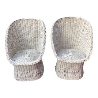 1960s Vintage White Wicker Scoop Chairs - a Pair For Sale