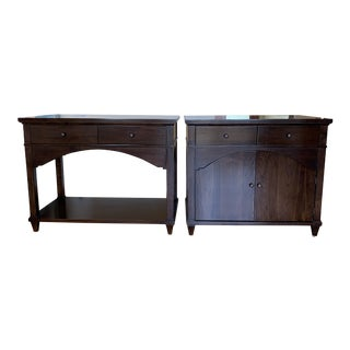 Traditional Mahogany Wood Nightstands - A Pair For Sale