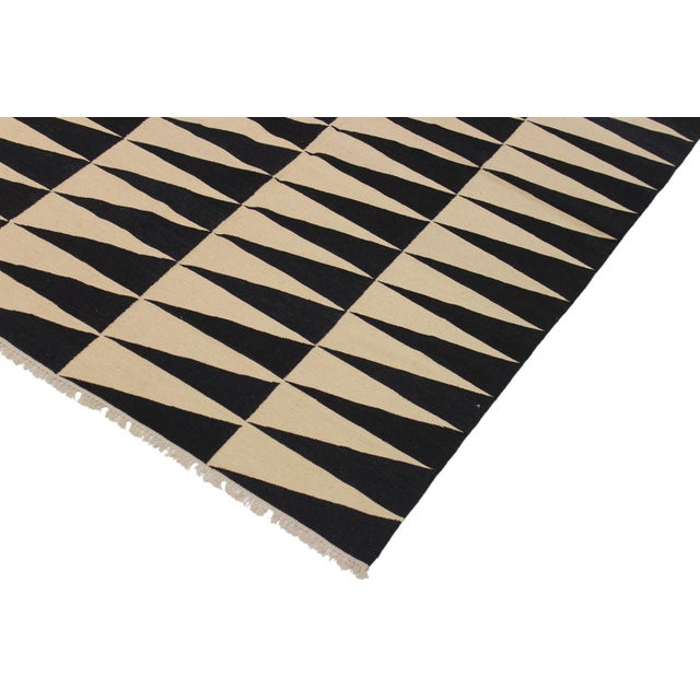 """Contemporary Modern Kilim Armandin Ivory Hand-Woven Wool Rug -5'6"""" X 8'2"""" For Sale - Image 3 of 8"""