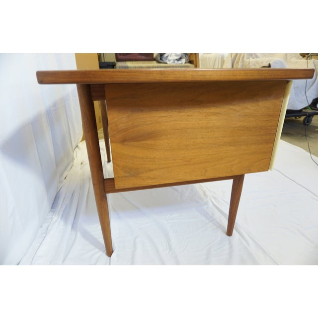 1950s Danish Modern Jens Risom Design Inc Writing Desk For Sale - Image 10 of 13