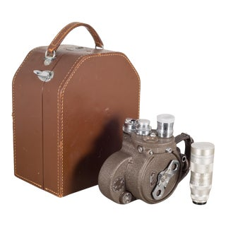 Bell & Howell Filmo 16mm Movie Camera and Leather Case C.1940-1950 For Sale