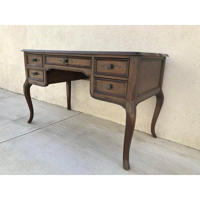 Original Vintage Sligh Furniture Leather Top Writing Desk For Sale - Image 4 of 13