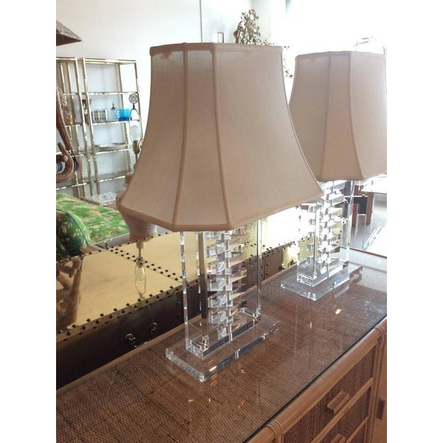 Hollywood Regency Hollywood Regency Lucite Stacked Table Lamps - a Pair For Sale - Image 3 of 11