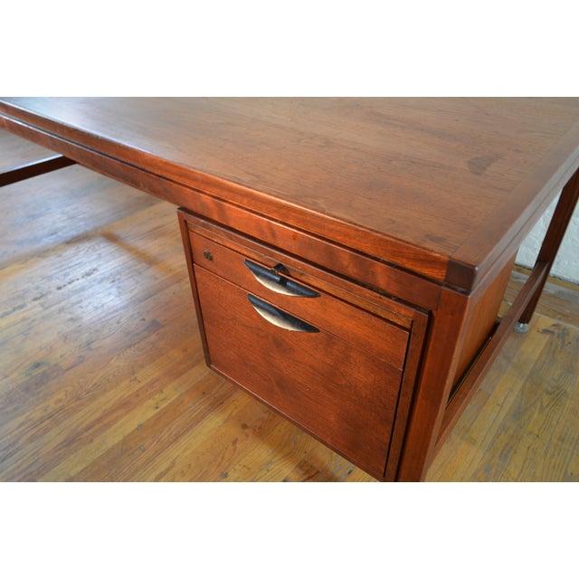 Danish Modern Jens Risom Designs Walnut Executive/Partner's Desk For Sale - Image 3 of 7