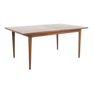 Dux Dining Table