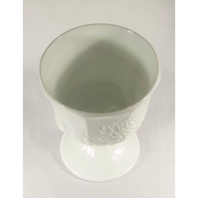 1950s Milk Glass Pedestal Urn / Planter For Sale In New York - Image 6 of 8