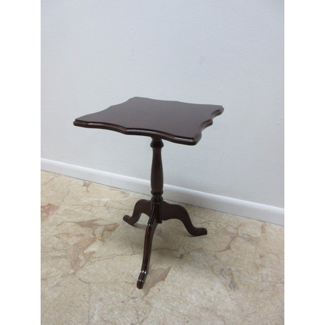 Bombay Company Cherry Lamp End Table Pedestal Stand - Image 3 of 11