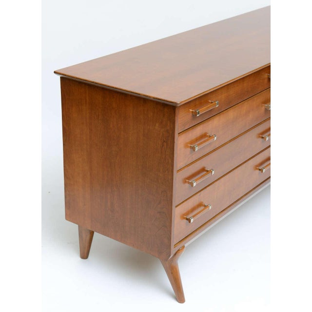 Johnson Furniture Co. Mid-Century Chest of Drawers by Renzo Rutili for Johnson Furniture For Sale - Image 4 of 7