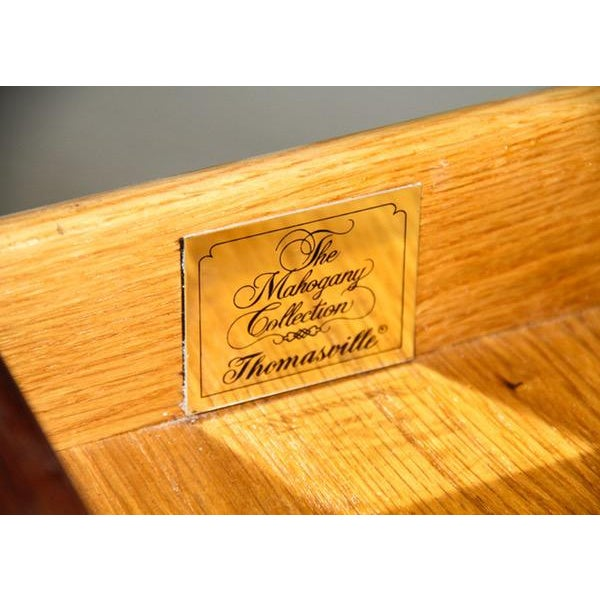 """Vintage Thomasville """"Mahogany Collection"""" End Table - Image 8 of 10"""