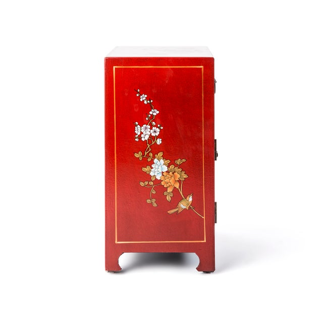 Chinese Asian Style Shanxi Handpainted Motif End Table For Sale - Image 3 of 6