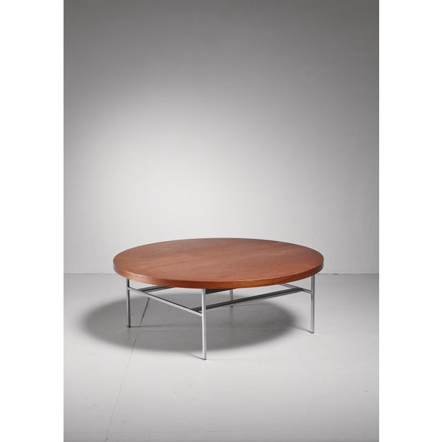 Mid-Century Modern Large Round George Nelson Coffee Table in Walnut, Usa, 1950s For Sale - Image 3 of 3