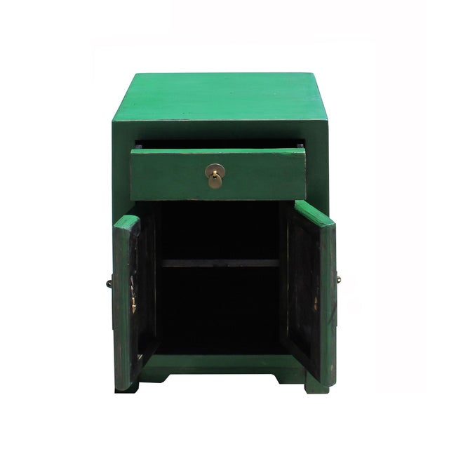 Asian Chinese Oriental Distressed Green Lacquer Side End Table Nightstand For Sale - Image 3 of 7