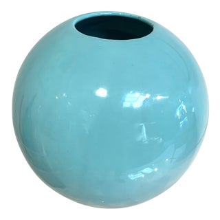 Vintage Mid-Century Modern Ceramic Globe Vase in Light Turquoise Blue For Sale