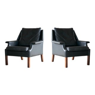 Pair of Danish Midcentury Børge Mogensen Inspired Leather Lounge Chairs For Sale