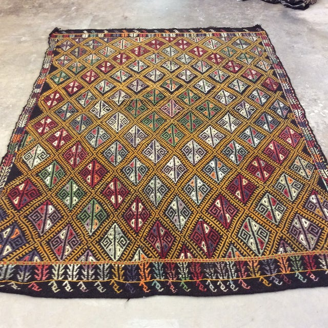 "1960's Turkish Kilim - 5'6""x8'1"" For Sale - Image 4 of 10"
