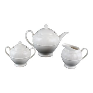 Wedgwood Windsor Pattern Tea Pot & Dishes - Set of 3 For Sale
