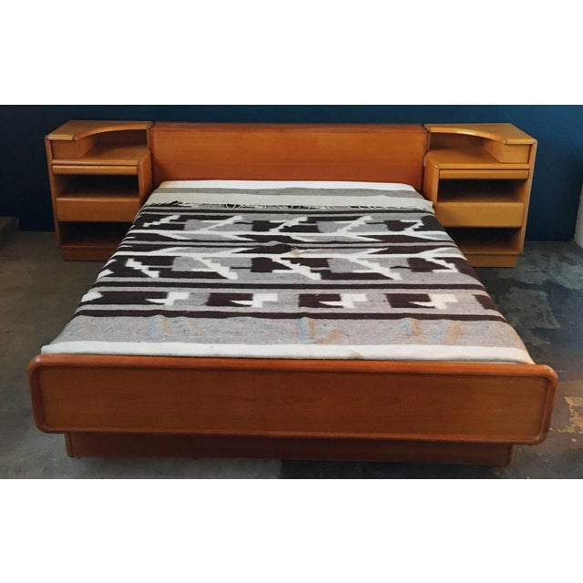 Mid-Century Brouer Platform Bed & Nightstands - Image 3 of 9