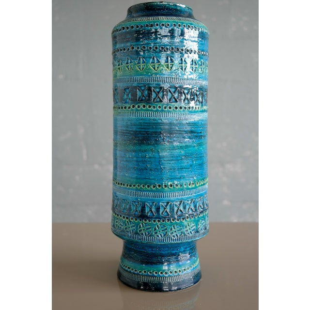Mid-Century Modern Aldo Londi for Bitossi Remini Blu Ceramic Vase For Sale - Image 3 of 8