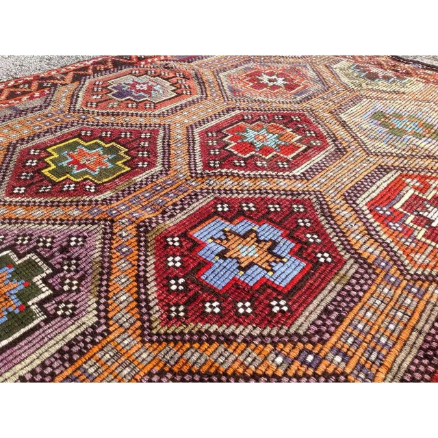 Vintage Turkish Kilim Rug - 5′6″ × 10′ For Sale - Image 5 of 6