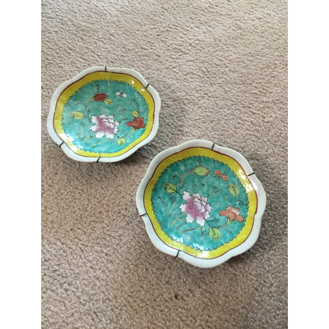 Chinese 1930's Chinese Ceramic Painted Plates - a Pair For Sale - Image 3 of 9
