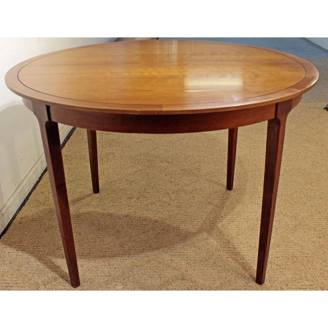 Walnut Mid-Century Modern Drexel Counterpoint Round Extension Walnut Dining Table #14 For Sale - Image 7 of 13