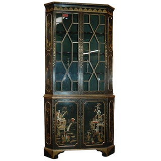 18th Century English Lacquered Gilt Chinoisoire Corner Cabinet For Sale