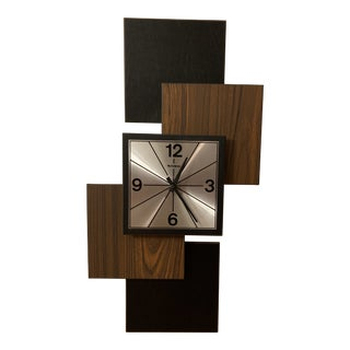 Vintage Mid-Century Modern Verichron Wall Clock For Sale