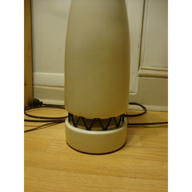 Rembrandt Style Matte White Pottery Lamp - Image 5 of 10