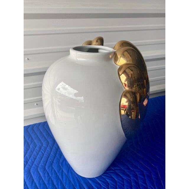 1970s Hollywood Regency Italian Gold Winged Vase For Sale - Image 5 of 10