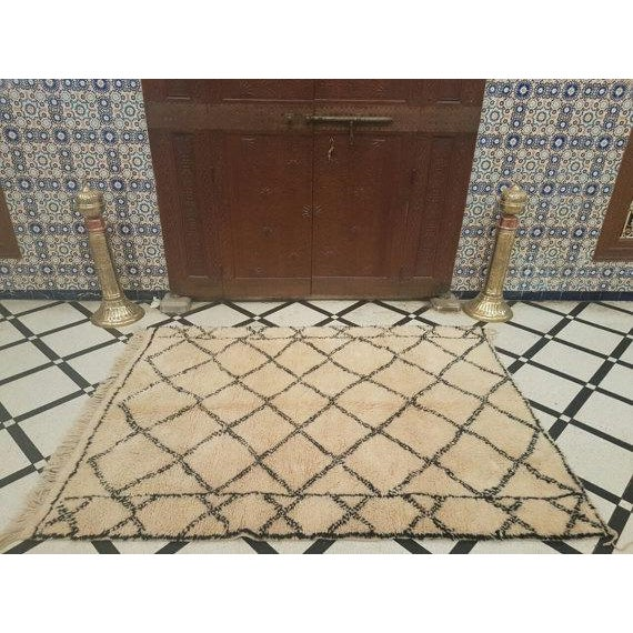 Vintage Moroccan Beni Ourain Area Rug - 5′5″ × 7′5″ - Image 5 of 5