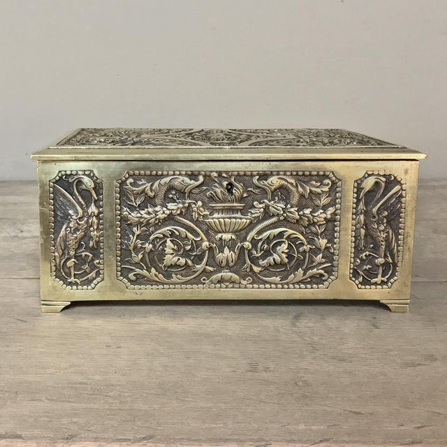 French Jewelry Box, 19th Century French Renaissance, Cast in Bronze For Sale - Image 3 of 13