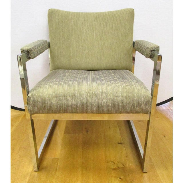 """Mid-century modern chrome chair in the style of Milo Baughman. Seat 18""""H."""