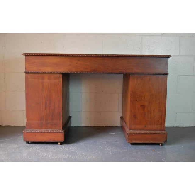 1900s Georgian Style Mahogany Partners Desk With Leather Top For Sale - Image 4 of 8