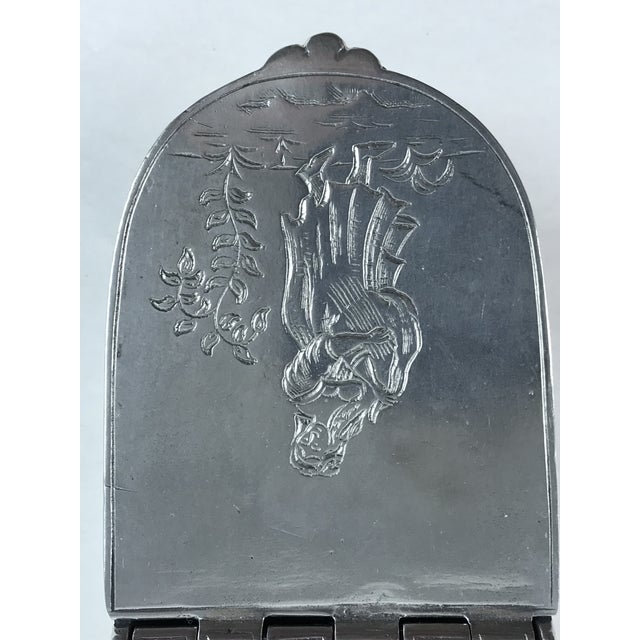 Figurative Hand Chased Pewter Snuff Lidded Box For Sale - Image 3 of 10