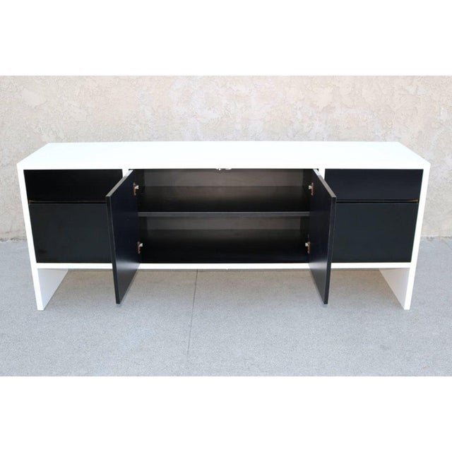 Milo Baughman White Lacquered Credenza with Contrast Doors - Image 3 of 8