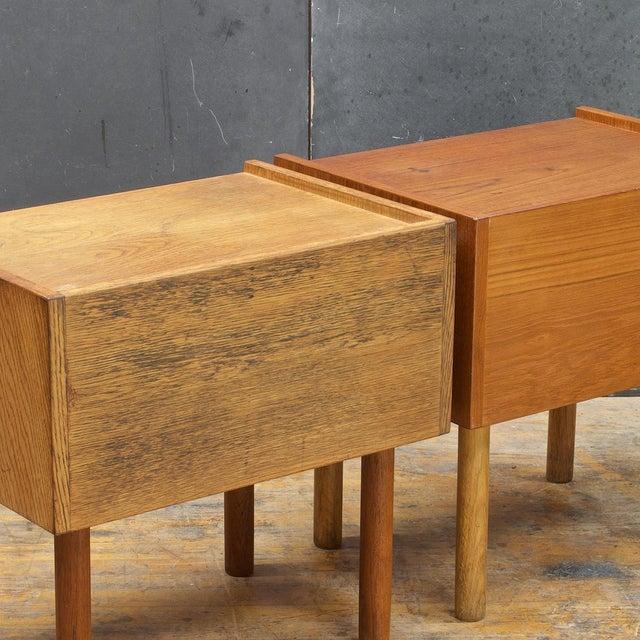 Brown Hans Wegner Bedside Nightstand Pair Vintage Mid Century Modern Ry Mobler Teak Oak For Sale - Image 8 of 10
