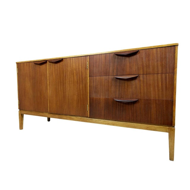 Mid 20th Century Mid-Century Modern Wood Credenza For Sale - Image 5 of 11