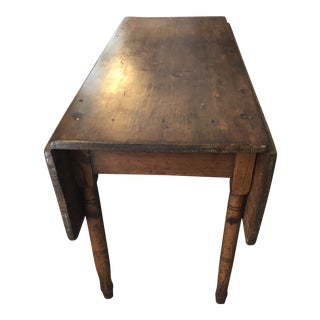 Primitive 19th Century Pembroke Drop Leaf Dining Table For Sale