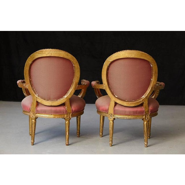 Pair of French Louis XVI Style Gilded Fauteuils For Sale In New York - Image 6 of 10