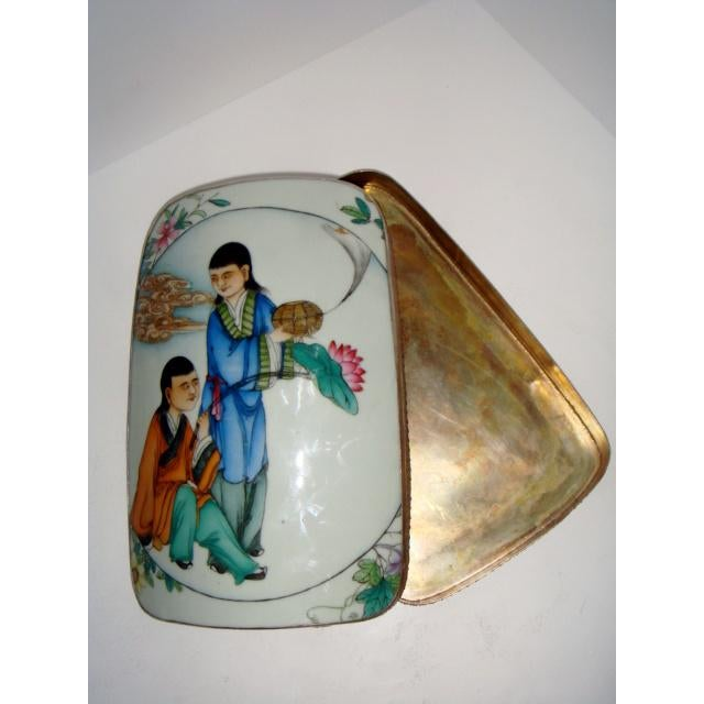 18th Century Large Chinese Shard Porcelain Silver Plate Box, Top Lid Opens For Sale - Image 4 of 7